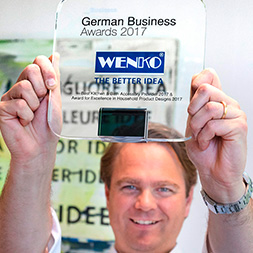 Niklas Köllner mit dem German Business Award